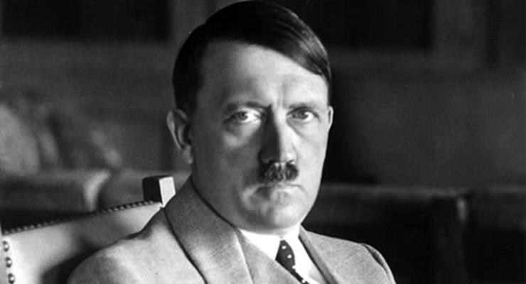 a biography of adolf hitler a german government leader and dictator
